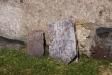 Gamla bevarade gravvårdar.