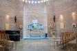 Altaret är mycket blygsamt och intetsägande liksom ett antal enkla trästolar