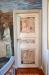 Även dörrarna till sakristian har målningar