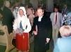 Drottning Silvia och församlingsprästen vid kyrkobesöket efter kyrkans renovering