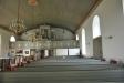 Predikstolen från gamla kyrkan gjordes om för att passa i den nya.