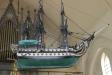Kyrkan har en skeppsmodell.