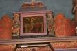 Altaruppsatsens övre bild.