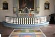 Altaret och altarringen.