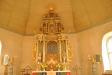 Övre delen av altaruppsatsen är från 1730-talet