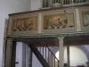 detalj av läktarbarriärens målningar