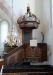 Altaruppsatsen är från omkring 1700.