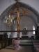 Triumkrucifixet står på en piedestal