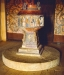 Den romanska dopfunten i Bro kyrka