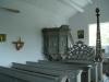 altartavlan och ersättningskrucifixet (istället för det stulna)