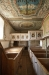 Läktaren sträcker sig över mer än halva kyrkorummet..