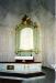 Altartavla i vitt med relief