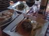 Pepparstek av oxfilè med cognacsdoftande pepparsås & potatisgratäng (298 kr).