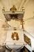 Predikstolen som kostade 1000 daler har ätterna Bielke och Sacks vapen på ljudtaket