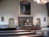 Interiör med altare i väster