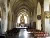 Ursprungligen var golvet satt med kullersten och hela kyrkorummet välvdes med kryssvalv av tegel.